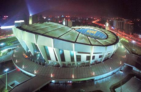 上海スタジアム(中国、上海)