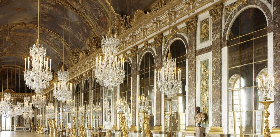 Produced the glass for the Hall of Mirrors at the Palace of Versailles.